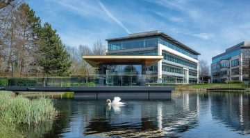 Arlington-Business-Park-floating-meeting-room